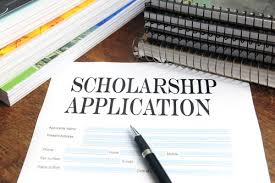39 Top Scholarships for High School Sophomores and Freshmen