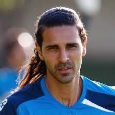 Fora do jogo com Vasco, Guerreiro tem suspeita de lesão de ligamento no joelho direito - leandro-guerreiro-durante-treino-do-cruzeiro-na-toca-da-raposa-ii-2042011-1311956929829_300x300