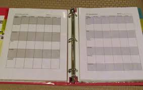 kitschy homeschool do it yourself homeschool planner then pretty paper leads to the week s lesson plans which aren t filled in at the moment because i was in the middle of planning our week when i decided