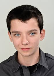 What is the height of Asa Butterfield?