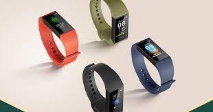 Представлен <b>умный браслет Xiaomi Redmi</b> Band за тысячу рублей