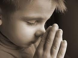 Kết quả hình ảnh cho trẻ em cầu nguyện với chúa