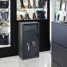 Chubbsafes: Professional safes, security cabinets and strong rooms