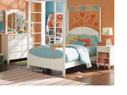 l simple modern kids bedroom design for teenage girls with white finish wooden canopy beds and white polished dresser drawers using round steel knob bedroom simple modern bedroom design