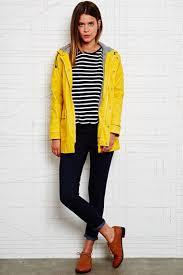 <b>Urban</b> Outfitters | Женские <b>ветровки</b>, Желтое пальто и Женские ...