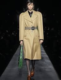 Givenchy <b>Women Winter 2019</b> Collection | GIVENCHY Paris