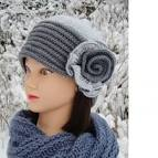 Украшаем вязанные шапочки