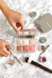 <b>Hourglass</b> Ghost <b>Holiday</b> 2019 Collection Review - The Beauty Look ...