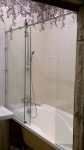 Стеклянная <b>шторка</b> на ванную. Выполнена из закаленного ...