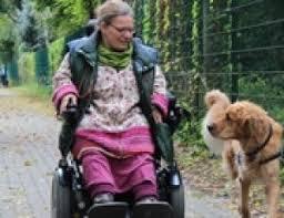 Behindertenbegleithund Joschi und Besitzerin Eileen Moritz zu Gast ... - yZdlUAKnVD_full
