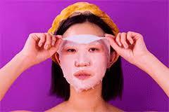<b>Face</b> Time: как тканевая <b>маска</b> стала самым популярным бьюти ...