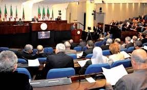 Après Saâdani et Bensalah, Djamel Ould Abbès l'annonce pour ce mois et par voie parlementaire: Révision de la Constitution, le compte à rebours