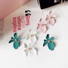 <b>Elegant</b> Daisy Petal Shape Studs Earrings <b>Big</b> Pattern <b>Trendy</b> ...