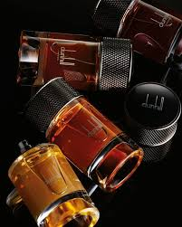 <b>Alfred Dunhill</b> - <b>SIGNATURE COLLECTION</b> New to dunhill. A ...
