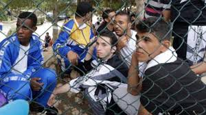 """Résultat de recherche d'images pour """"photos migrants lampedusa"""""""