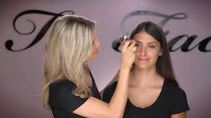 How-to Apply Chocolate Soleil <b>Matte Bronzer</b> - YouTube