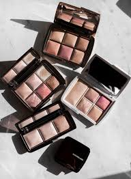 <b>Hourglass Ambient Lighting</b> Edit Unlocked Palette