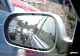Bila Pemotor Ingin Berkendara di Tengah Hujan, Perhatikan Faktor Ini !!!