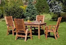 Tavolo Da Terrazzo In Legno : Mobili giardino legno da in