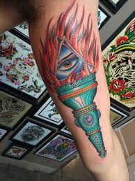 traditional tattoo american tattoo statue of liberty jeremy illuminati statue of liberty torch tattoo american traditional america