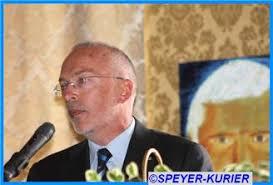 Eigens aus dem Urlaub in Österreich nach Speyer gekommen: <b>Dr. Helmut Albert</b>, <b>...</b> - b-hret-170