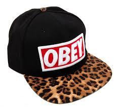 Купить <b>Бейсболка OBEY</b> леопард за 990 руб.
