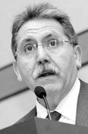 Manuel Teruel Izquierdo. Gijón / Avilés, M. C. / F. L. J.. El consejo superior de las cámaras de comercio celebra hoy un pleno extraordinario para elegir a ... - 2011-05-10_IMG_2011-05-03_01.47.31__6430947
