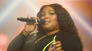 Lizzo Just Scored Her First Major Beauty Contract With <b>Urban Decay</b> ...