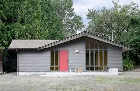 Image result for hình một căn nhà cũ
