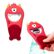 <b>Открывалка Monster</b> красная магнитная