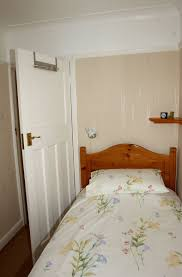 Small Narrow Bedroom Simple Bedroom Designs For Small Rooms Beautiful Bedroom Decor