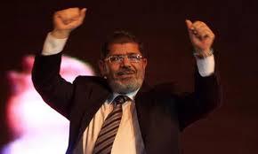 مرسي يتعهد للشعب المصري بمستقبل