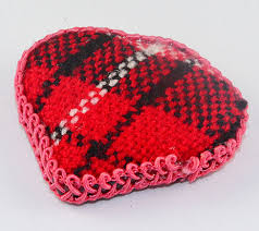 <b>Red</b> Black and White <b>Love Heart</b> colour <b>resin</b> light weight woven ...