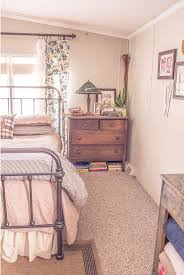 Mobile Home Bedroom 17 Best Ideas About Manufactured Home Decorating On Pinterest
