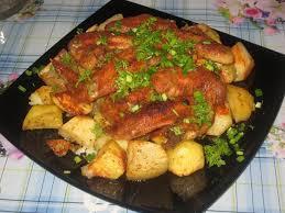 Картинки по запросу Рецепт приготовления куриных крылышек с картофелем
