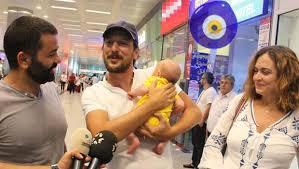Ceyda Düvenci ve Bülent Şakrak Türkiye'ye döndü