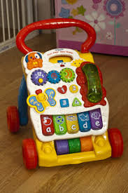 VTech First Steps Baby Walker - The Hart of the Munchkin Patch
