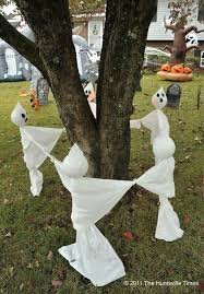 ideas outdoor halloween pinterest decorations: diy halloween decorations yard ghosts ring around the rosie ghosts wonder how you do it
