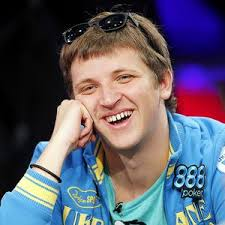 AP Photo/Isaac Brekken Anton Makiievskyi can become the youngest WSOP main event champion. Anton Makiievskyi (31.9 million in chips): Just 21 years old, ... - poker_a_makievskyi01_300