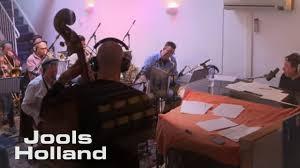 <b>Jools Holland</b> & <b>José Feliciano</b> – Feliz Navidad (Video) OFFICIAL ...