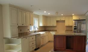 kitchen paint colors with cream cabinets: cream color kitchen cabinets cream kitchen cabinet with glaze cream color kitchen cabinets