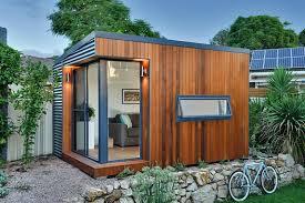 backyard home office. prefabs by inoutside backyard home office