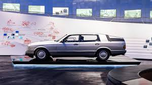 Legend 6: <b>Mercedes</b>-<b>Benz Auto</b> 2000.