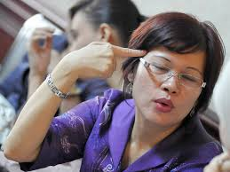 Jakarta - Komisi Pemberantasan Korupsi (KPK) menyatakan pemeriksaan terhadap mantan Direktur Keuangan PT Anak Negeri, Mindo Rosalina Manulang terkait ... - 20111117Rosa%2520Manulang%2520by%2520monitorindonesia