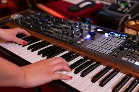 <b>Arturia</b> представила флагманский аналоговый <b>синтезатор</b> ...