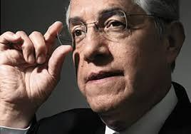 Adolfo Vélez, líder de la Asociación Nacional de las Casas de Empeño, está atento a los cambios. (Foto: Adán Gutiérrez) - adolfo-velez