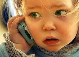 Image result for از چه سنی برای کودکمان موبایل بخریم؟