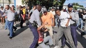 Resultado de imagen para fotos de represión en cuba