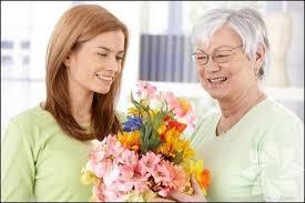 sevdiklerinize çiçek veren resim ile ilgili görsel sonucu