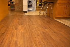 Laying Kitchen Floor Tiles Kitchen Floor Tiles That Look Like Wood Ceramic Tile Looks Like